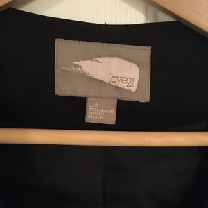 Forever 21 Jackets & Coats - Forever 21 Cropped blazer with pouf shoulders
